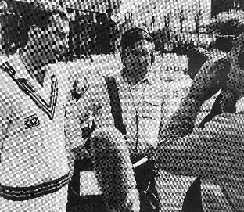 Peter Roebuck facing the cameras 1987