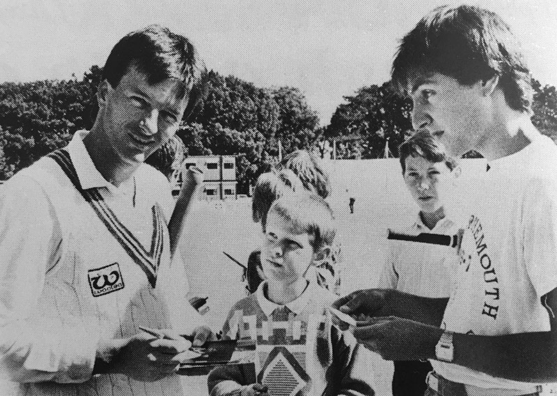 Steve Waugh with Somerset CCC fans