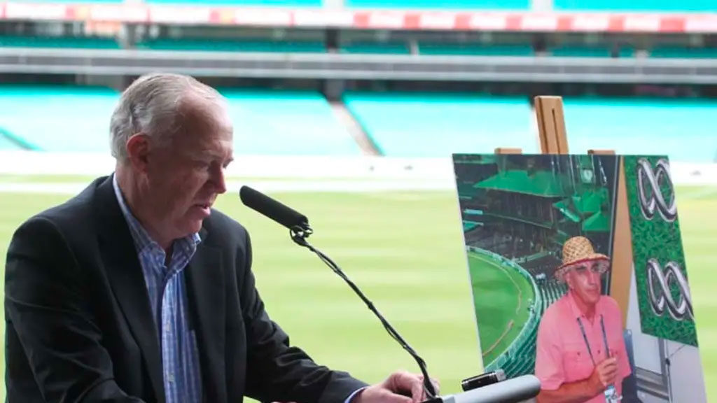 Jim Maxwell speaking at the SCG memorial event.
